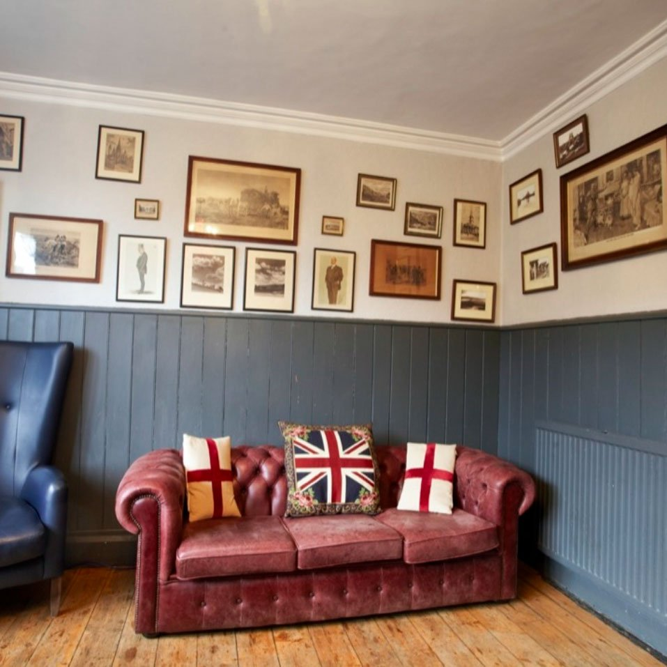 George Inn - Sofa